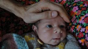 Bekar babaya büyük haksızlık, bebeğe karşıayrımcılık!